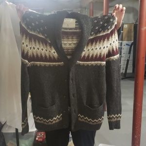 NEW Abercrombie and Finch cardigan with collar